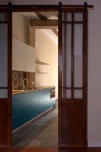 reformas integrales-cocina azul tradicional